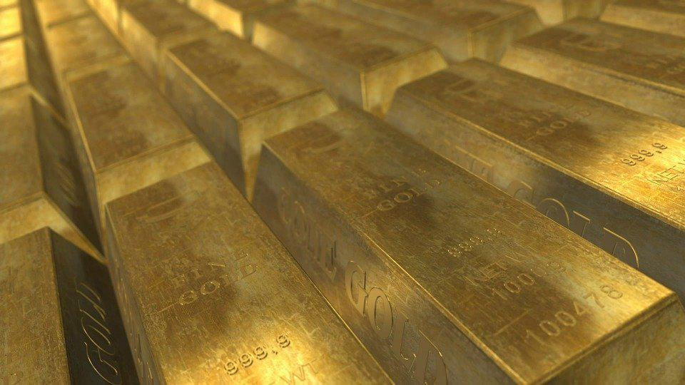 gold bars When HODL Spells GOLD: Why Bitcoin is Being Held as a Long-Term Investment